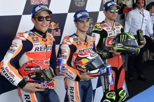 Pedrosa, Marquez en Crutchlow zetten Honda op eerste startrij