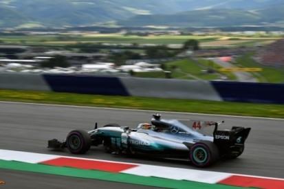 """Hamilton lyrisch: """"De auto voelt hier fantastisch"""""""