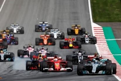 "Vettel houdt stug vol: ""Start van Bottas was vals"""