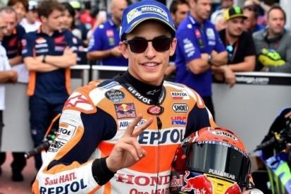Márquez onder magische grens, Rossi komt net tekort