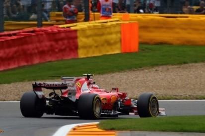 Drie strafpunten voor Räikkönen, één voor Pérez