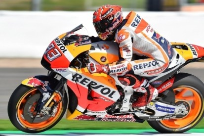 "Kapotte Honda-motor velt Márquez: ""Kan gebeuren"""