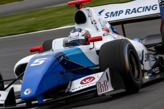 Zestal verlaat Austin met uitzicht op Formule V8 3.5-titel
