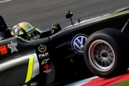 Nog geen F3-titel voor Norris na tik in laatste ronde