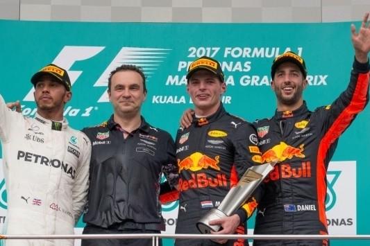 Verstappen domineert in Maleisië en pakt tweede GP-zege