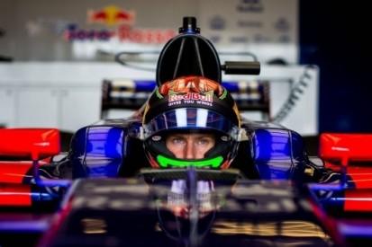 Fotospecial: het F1-debuut van de immer vrolijke Hartley