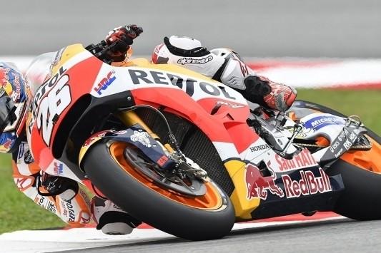 Pedrosa pakt pole op Sepang, Van der Mark laatste na crash