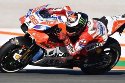 Lorenzo topt tweede training, Márquez crasht in slotfase