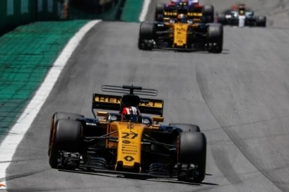 Renault scoort slechts één puntje na middelmatig optreden