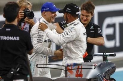 Hamilton feliciteert Bottas met zijn 'geweldige' pole