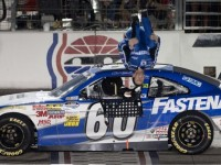 Edwards dominates Nationwide race at Texas