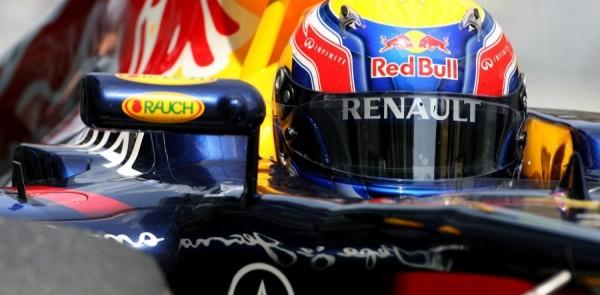 Webber snarls in China amid Vettel dominance