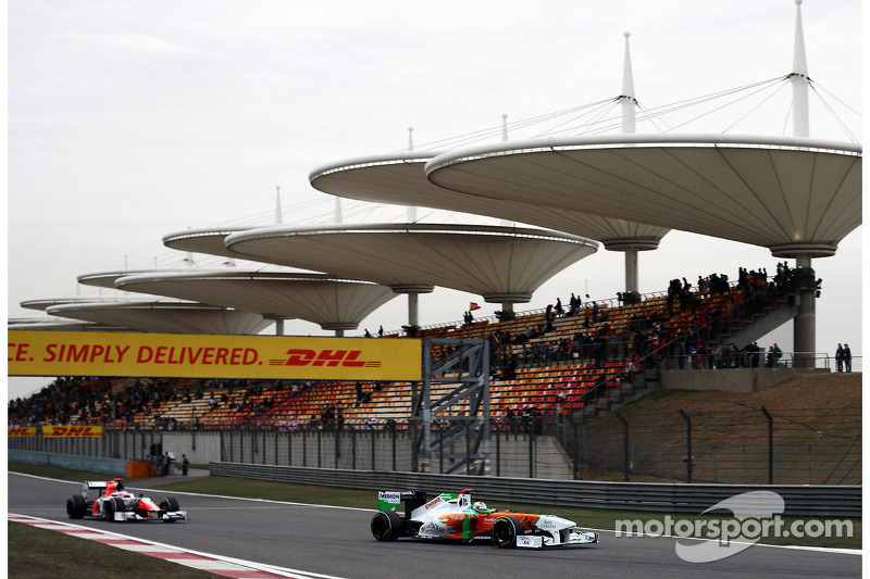 Sutil gets into fist-fight with Renault official