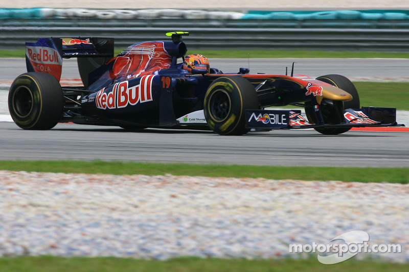 Alguersuari thinks Toro Rosso seats safe in 2011