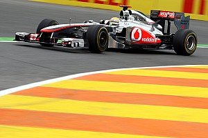 Formula 1 Hamilton Does U-Turn After Writing Off 2011 Title