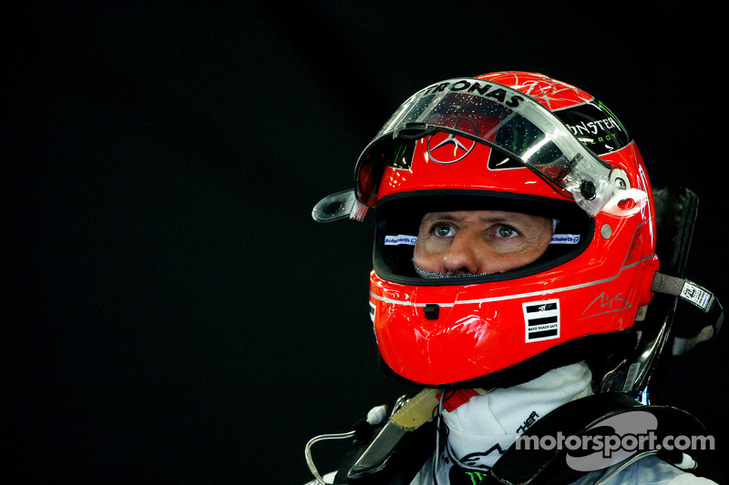 Mercedes To Discuss 2012 Contract With Schumacher