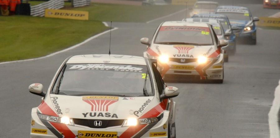 Honda duo takes battle to Rockingham