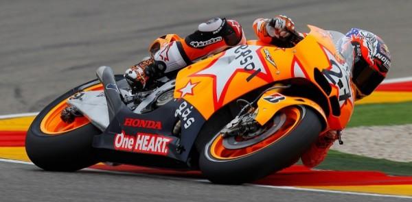 Stoner earns 100th Repsol Honda win