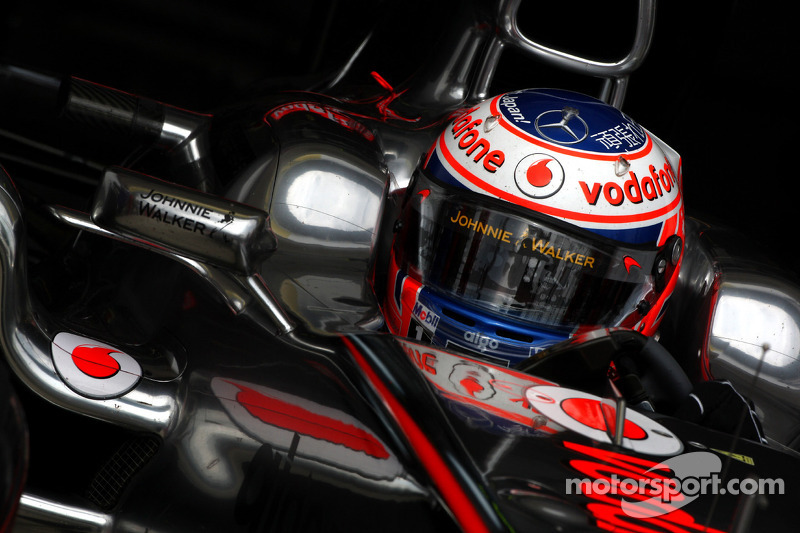 McLaren's Button still title candidate ahead of Japanese GP at Suzuka