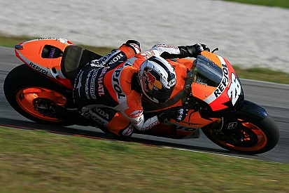 Pedrosa lays down hot lap for Malaysian GP pole