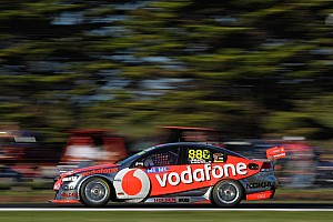 Supercars Championship up for grabs, Lowndes wins race 1 in Sydney