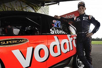 MotoGP Legend Casey Stoner takes TeamVodafone V8 Supercar for a spin