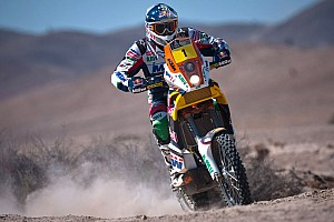 Dakar Coma has the Bike lead after a strange beginning to stage 8 in Chile