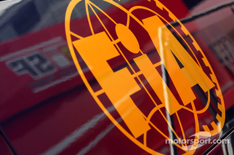 FIA says radical Lotus system 'legal' - report