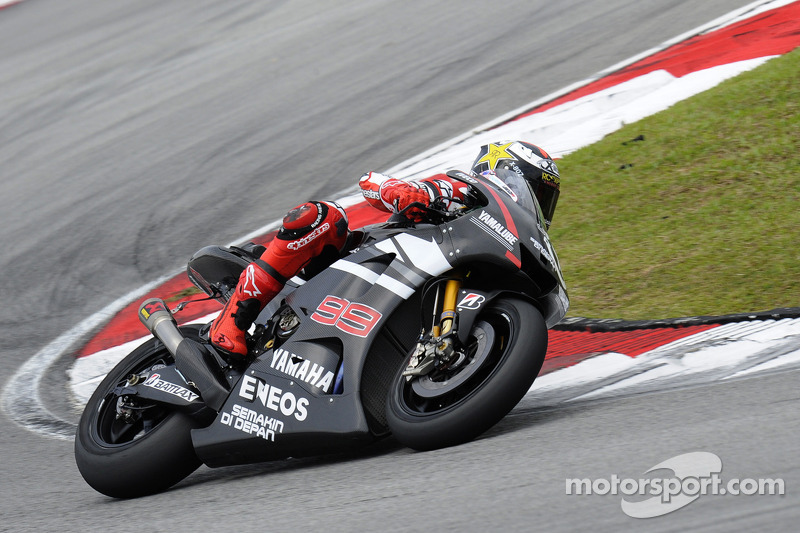 Lorenzo on top on day one of Sepang test