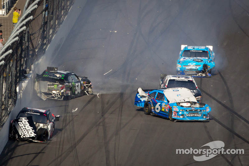Inches Separate Kyle Busch Motorsports from Victory at Daytona