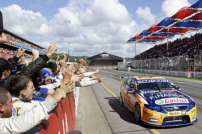 Davison takes victory in Clipsal 500 Sunday race in Adelaide