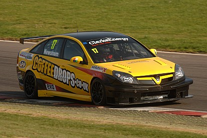 Newsham shocks rivals at Brands Hatch with his first series pole