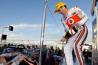 """Whincup """"spins and wins"""" race 2 of the Tasmania Challenge"""