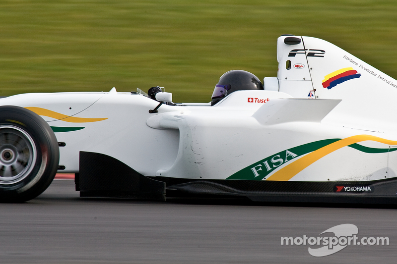 Tuscher secures maiden pole for opening Silverstone race