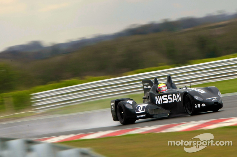 nissan deltawing kicks off euro testing with wet test. Black Bedroom Furniture Sets. Home Design Ideas