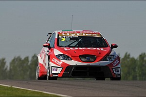 WTCC Tarquini  and Huff take the wins at Slovakia Ring