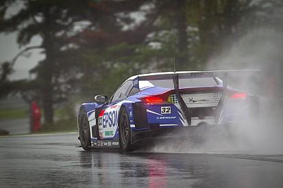 Nakayama hands EPSON HSV-010 pole on a very wet Fuji circuit