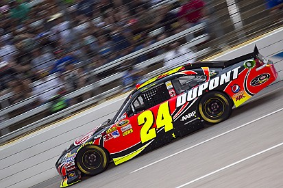 Jeff Gordon aims for the win at Dover