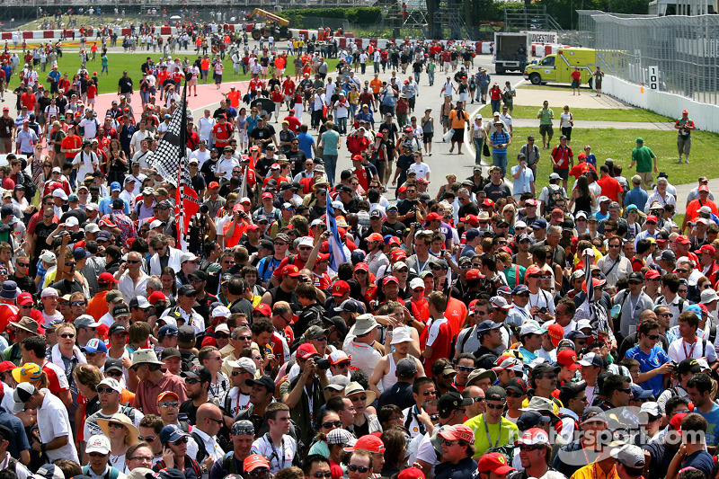 No Montreal sellout amid F1 disruption threats
