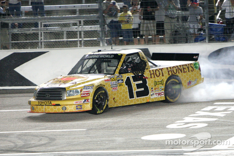 Sauter claims first win of the season at Texas