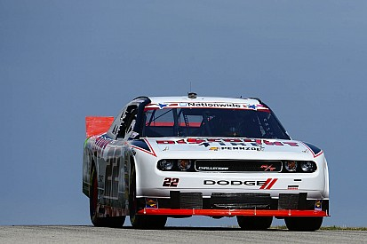 Jacques Villeneuve finishes 6th with a last lap incident at Road America