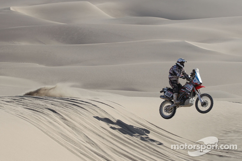 Honda to field works motorcycle project for 2013 Dakar Rally