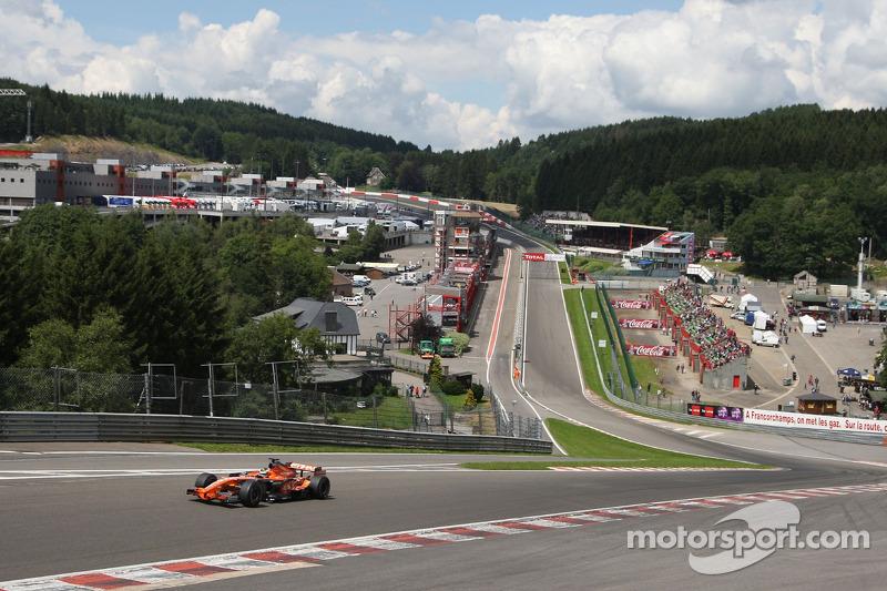 Speed Comparison Gt Vs F1 Through Eau Rouge Video