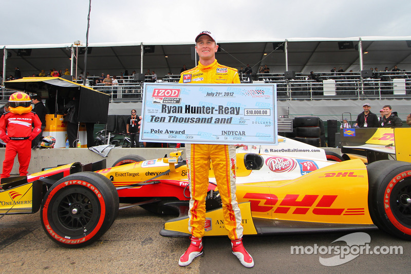 Hunter-Reay captures pole, Franchitti to start first in Edmonton