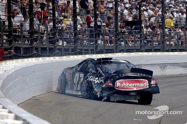 Kurt Busch testing the safer barrier Brickyard 400 2002 - Video