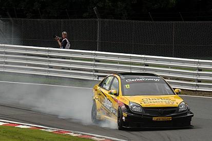 Dave Newsham takes team ES Racing to victory