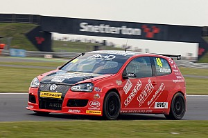 BTCC Race report More points on tough Snetterton weekend for AmDTuning.com