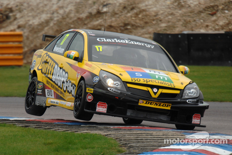 Newsham takes home win in race 3 at Knockhill