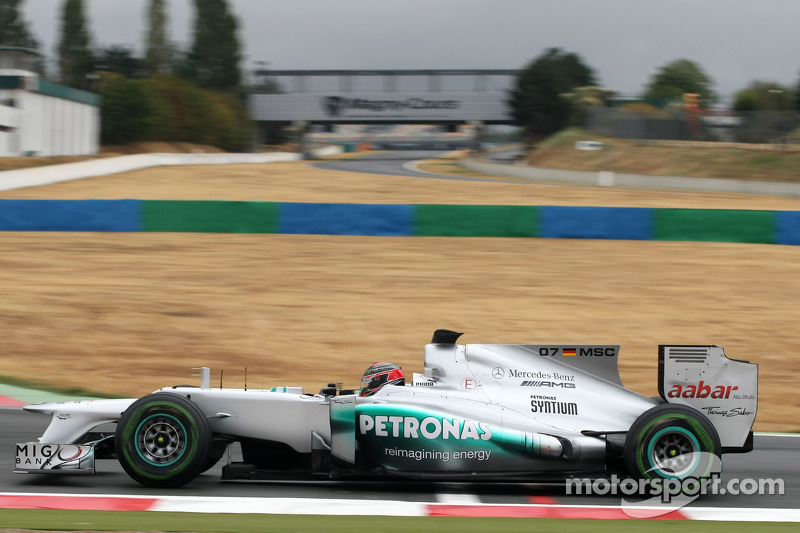 Hartley completes Mercedes Young Driver test at Magny-Cours