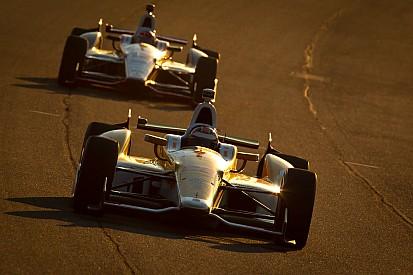 Hunter-Reay wins IZOD Indycar Series tittle as Carpenter wins MAVTV 500
